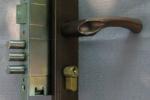 Дверной замок заменить